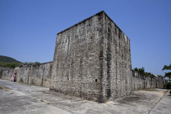 Side view of the walled village of San Wai | Lung Yeuk Tau Heritage Trail | Hong Kong