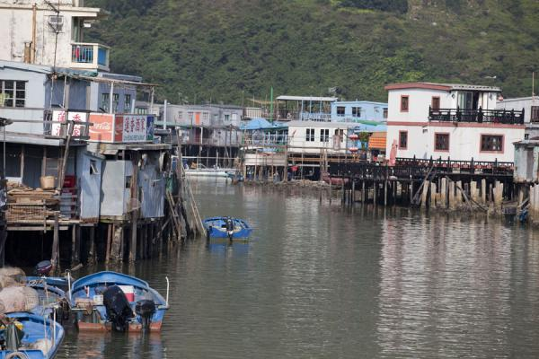的照片 香港 (Houses on stilts along the river separating both sides of Tai O)