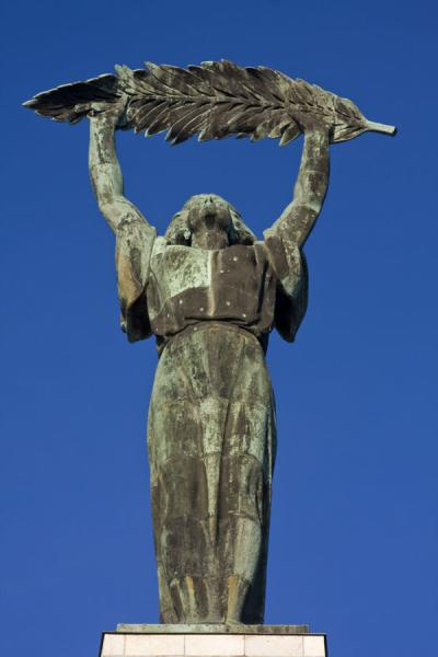 Foto de Frontal view of the Statue of LibertyEstatua de la Libertad - Hungría