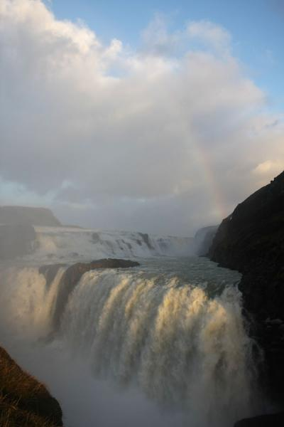Water falling off into the narrow ravine | Gullfoss | 冰岛