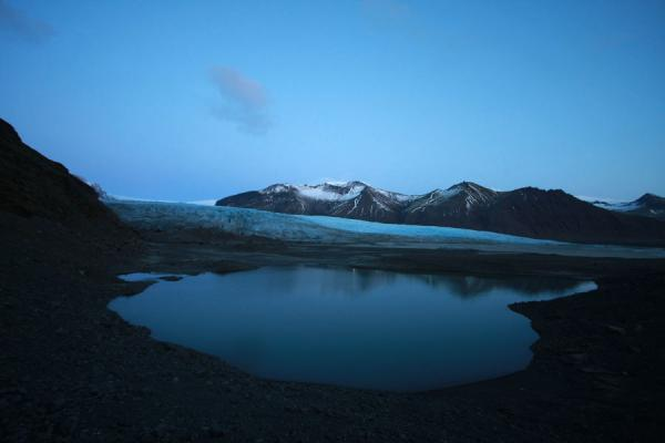 Picture of Sunset falling over the face of Skaftafellsjökull and its glacier lake