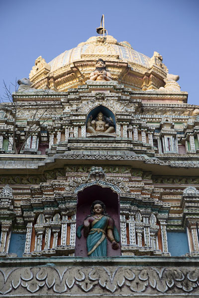 Foto di Backside of the Bull Temple seen from below - India - Asia