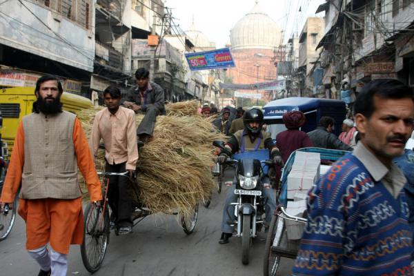 Street in Chawri Bazaar with Jama Mashid in the background | Chawri Bazaar | India