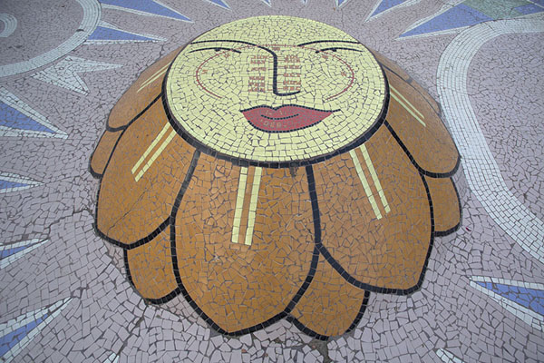 Mosaic of flower with sun clock | Garden of Five Senses | India