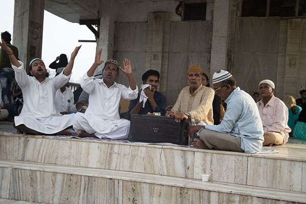Foto van Sufi musicians performing qawwali, devotional musicMumbai - India