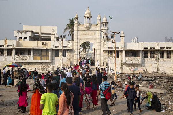 View of Hali Ali Dargah from outside the entrance | Haji Ali Dargah | India