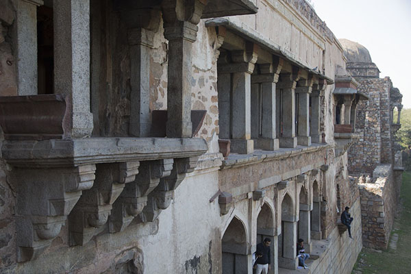 Photo de The north side of the west wing of the madrasaHauz Khas - Inde
