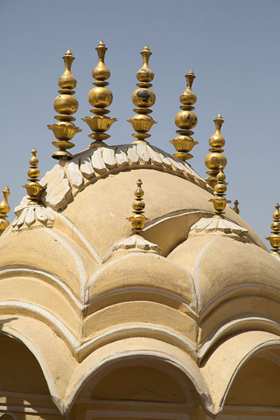 Detail of the elegant gateway to the upper part of Hawa Mahal | Hawa Mahal | India