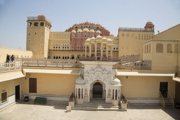 的照片 View of the west side of Hawa Mahal - 印度