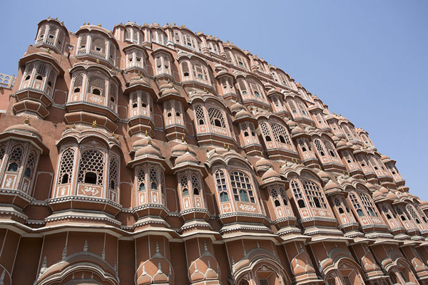The front of Hawa Mahal seen from an angle | Hawa Mahal | India
