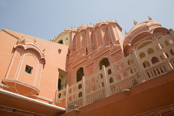 Looking up the top floors of Hawa Mahal from a courtyard | Hawa Mahal | India