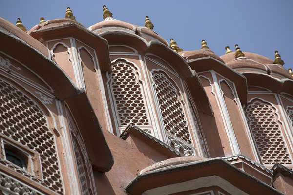 Looking up the top floors of Hawa Mahal | Hawa Mahal | India