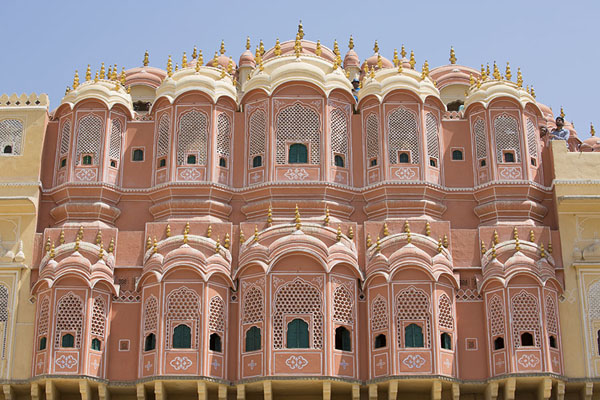 Photo de The top floors of Hawa Mahal seen from the west sideJaipur - Inde