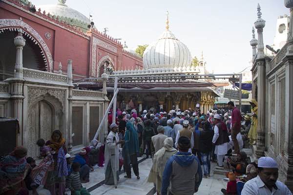 The tomb of Jahanara, the oldest daughter of Shah Jahan, to the left, the shrine in the background | Hazrat Nizamuddin Auliya | India