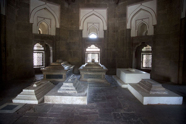 Tombs inside the mausoleum of Isa Khan | Humayun Tomb | India