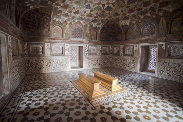 The two tombs of Itimad-ud-Daulah and his wife in wooden caskets in the mausoleum | Itimad ud-Daulah | India