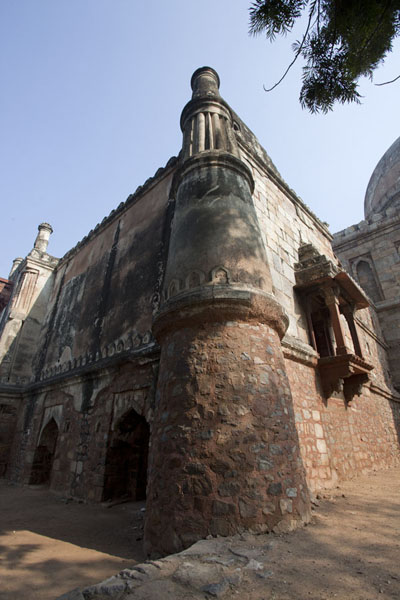 Corner tower of Bada Gumbad | Lodi Gardens | India