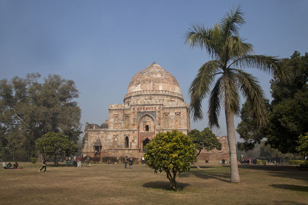 Bada Gumbad seen from the south | Lodi Gardens | India
