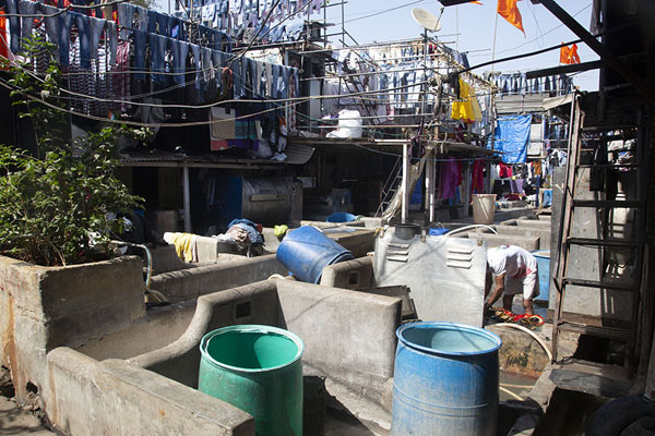 Clothes hanging to dry seen from Dhobi Ghat | Mahalaxmi Dhobi Ghat | Inde