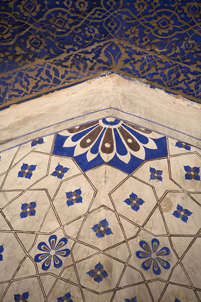 Detail of decorations of Quli Khan mausoleum | Mehrauli Archaeological Park | India