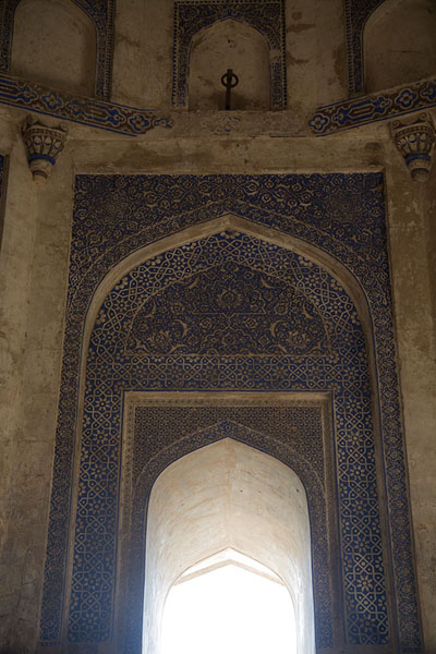 Detail of the interior of Quli Khan mausoleum | Mehrauli Archaeological Park | India
