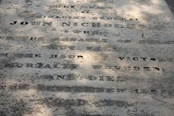 Close-up of the tomb of John Nicholson, the military officer after whom the cemetery is named | Cementerio Nicholson | India
