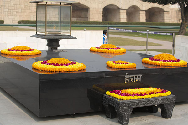 Foto van The black marble memorial of Mahatma GandhiDelhi - India