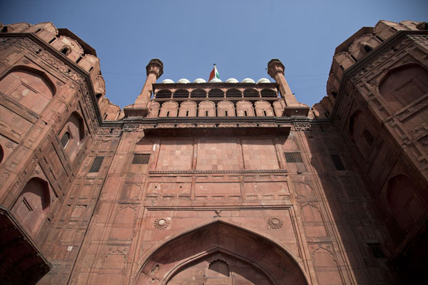 Looking up Lahore Gate, the western entrance to the Red Fort德里 - 印度