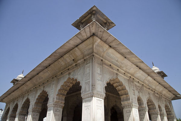 Foto di Looking up the Diwas-i-Khas buildingDelhi - India