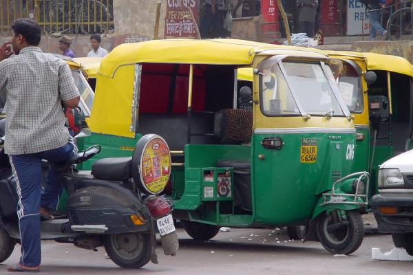 Picture of Delhi rickshaws (India): Rickshaw in New Delhi traffic