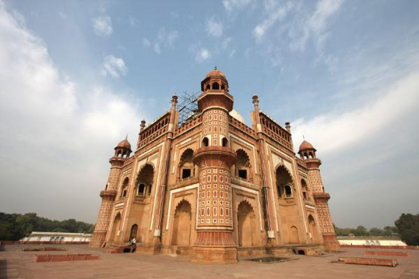 Safdarjung Tomb seen from a corner | Safdarjung Tomb | India