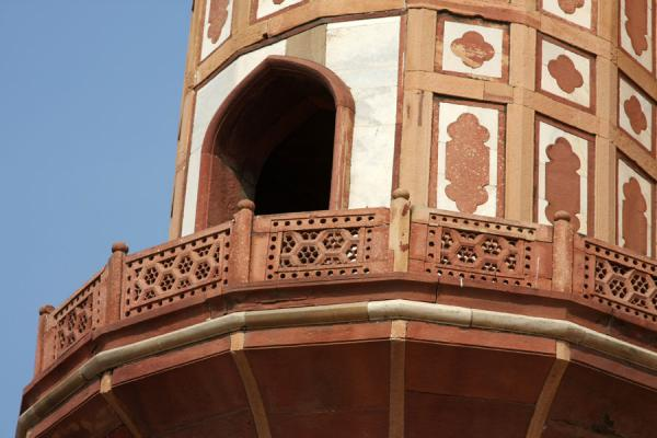 Detail of one of the pillars of Safdarjung Tomb | Safdarjung Tomb | India