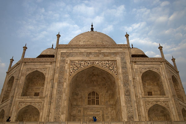 The mausoleum seen from below | Taj Mahal | India