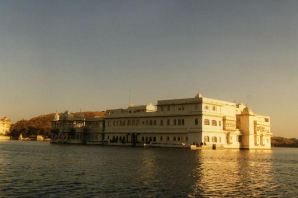 Picture of Udaipur (India): Pichola Lake with Lake Palace, the landmark of Udaipur