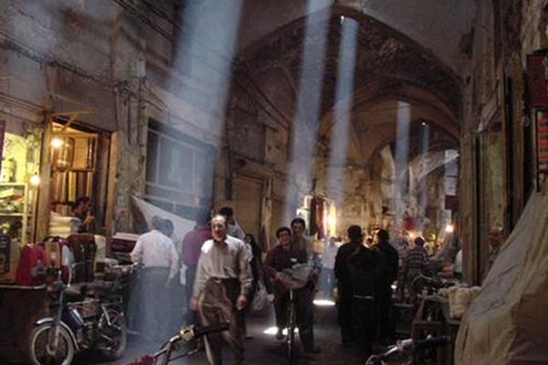 Light filters through the roof | Esfahan Bazaar | Iran