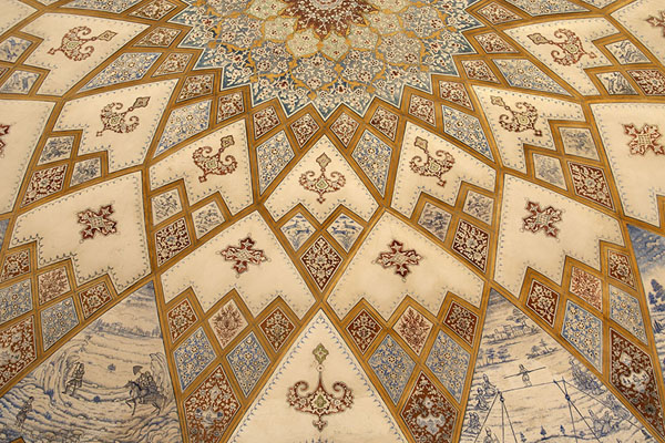 Part of the rich decorations of one of the ceilings of a pavilion in the garden | Jardines de Fin | Irán