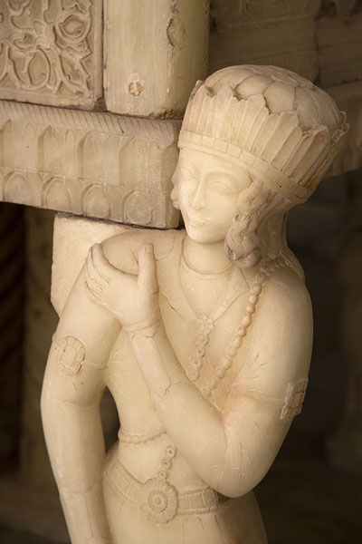 Close-up of the Marble Throne | Palacio de Golestán | Irán