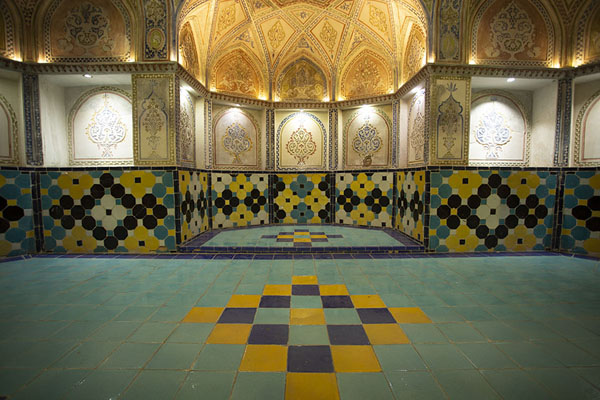 One side of the central hall of the hammam | Hammam-e Sultan mir Ahmed | Iran