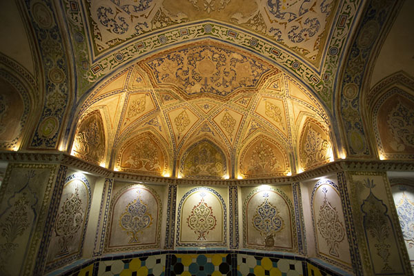 Delicate artwork decorating a hall in the hammam | Hammam-e Sultan mir Ahmed | Iran