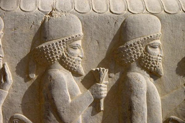Foto van Some of the visitors and spectators of ceremonies eternified in stonePersepolis - Iran