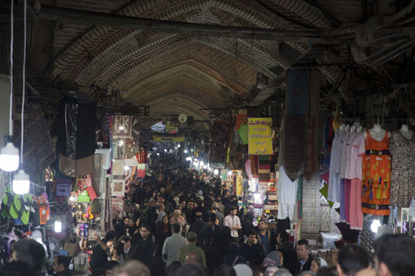 Picture of Alley full of people in the bazar of Tehran