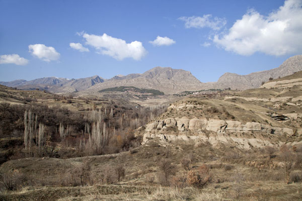 View of the mountain range close to Amedi | Amedi | 伊拉克共和国