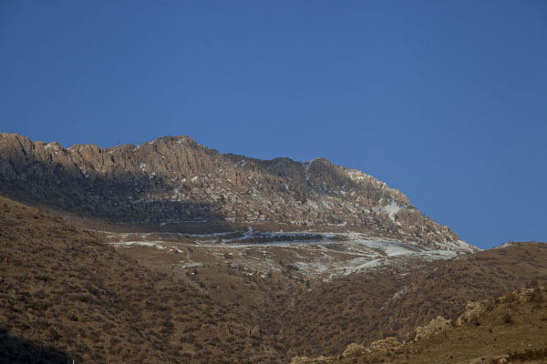 Photo de Mountains to the north of Amedi covered in a thin layer of snowAmedi - Irak