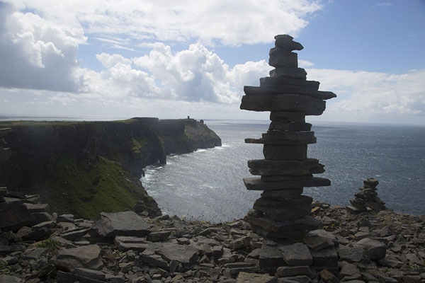 Foto van Pile of flat stones at the top of the Cliffs of MoherCliffs of Moher - Ierland