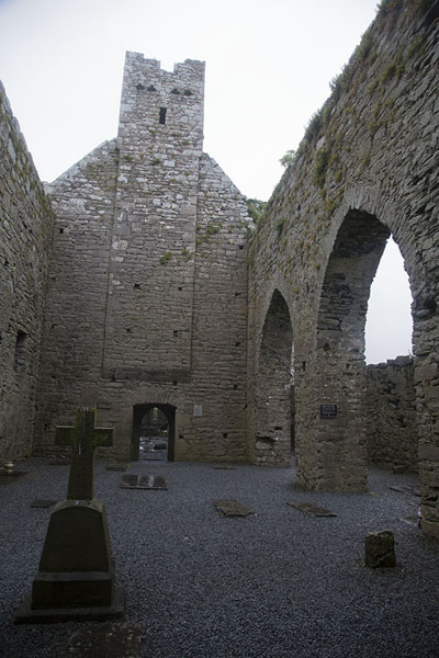 Picture of Corcomroe Abbey (Ireland): Interior of roofless Corcomroe Abbey