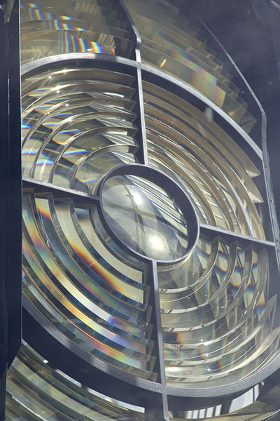 Foto di Detailed view of the rotating Fresnel lens emitting the light of the Loop Head lighthouseLoop Head - Irlanda