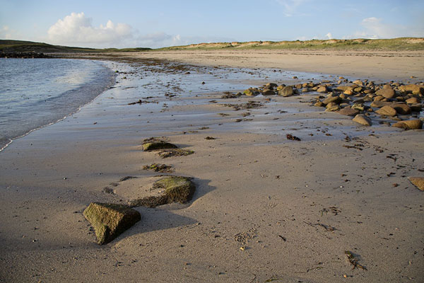 Foto di Beach on Omey Island at the end of the day - Irlanda - Europa