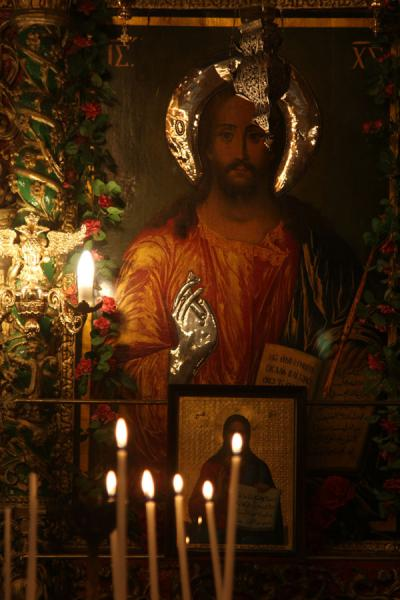 Photo de Jesus and candles in an orthodox chapelSaint Sépulchre - Israël