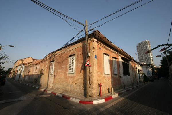 的照片 以色列 (Typical house and street in Neve Tzedek)