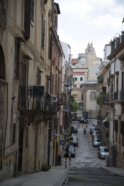 One of the wider streets in Albergheria | Albergheria | l'Italie